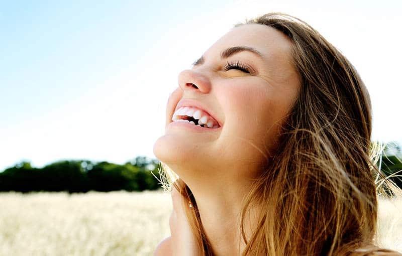 Šťastná, usmiata žena